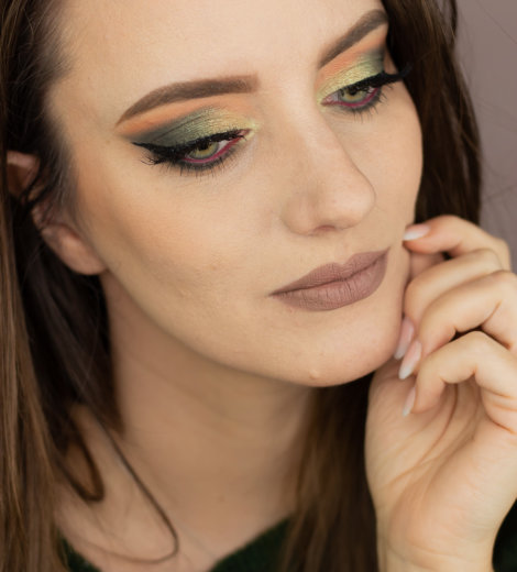 Eine Palette, vier Looks: </br> Anastasia Beverly Hills Subculture </br>  Electric Green