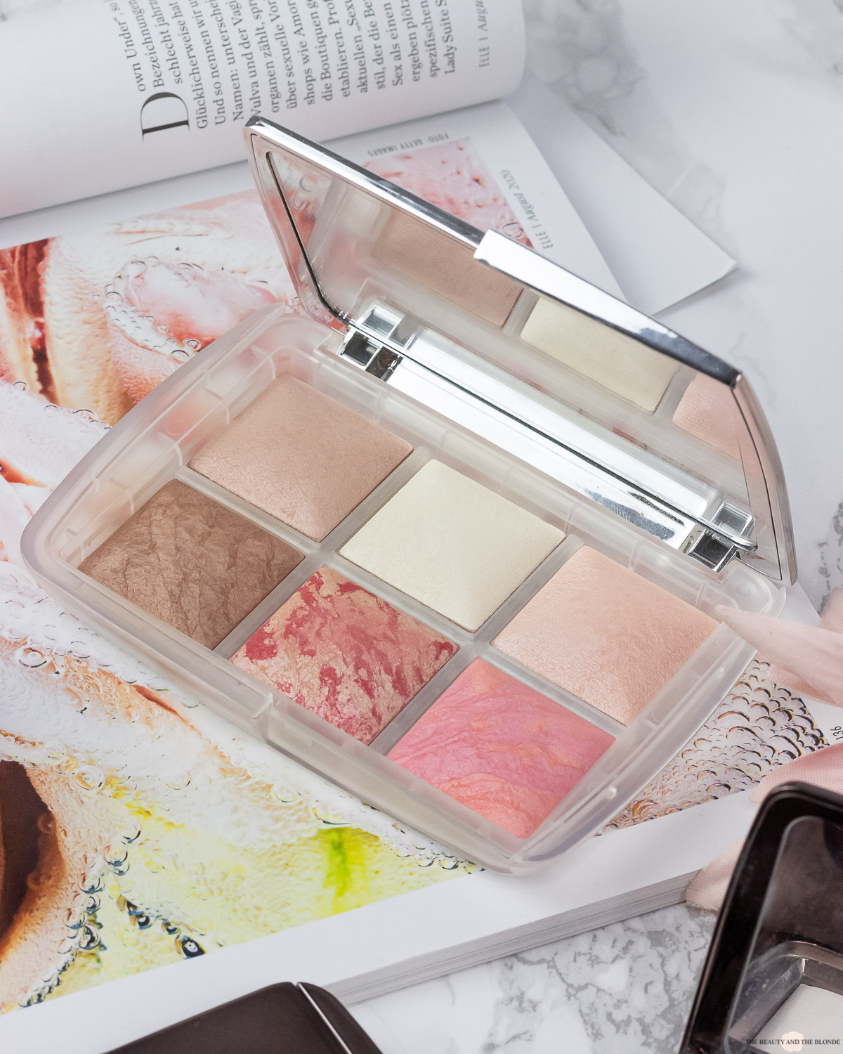Hourglass Ambient Lighting Powder Guide
